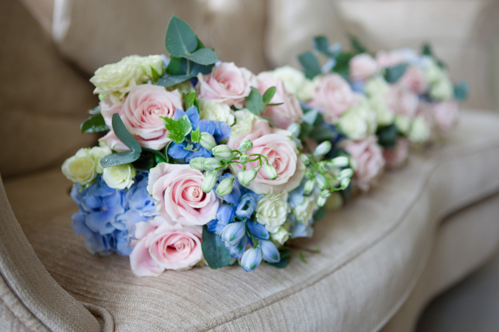 Young Blooms Wiltshire wedding flowers